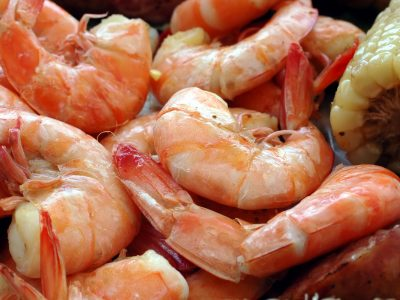 pink shrimp with tails cooked