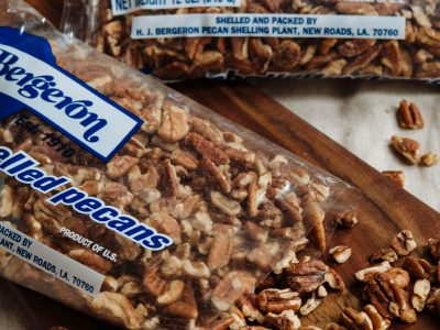 Open pack Bergeron pecan halves
