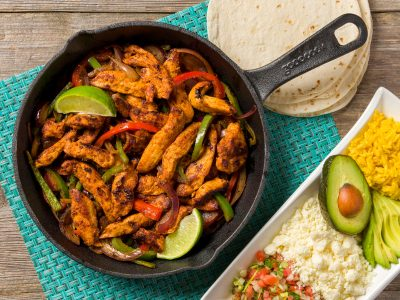 Rouses chicken fajita with peppers meal kit